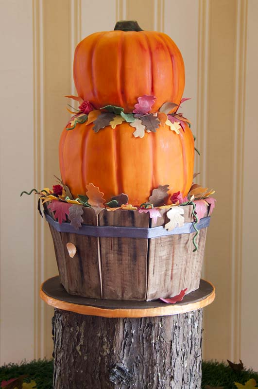 Pumpkin Halloween Wedding Cake (Price code C)