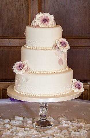 Cherry Blossom Bakery, Chocolates and Bespoke Cakes.